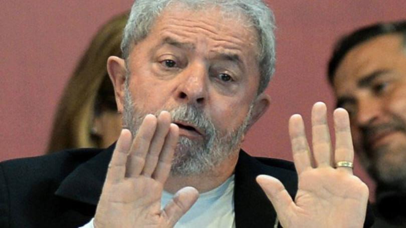 Lula foi levado pela PF para depor de forma coercitiva sobre repassem milionários de empreiteiras