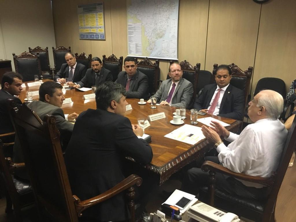 Deputados galera rara tiram a continuidade das obras em reunião com ministro