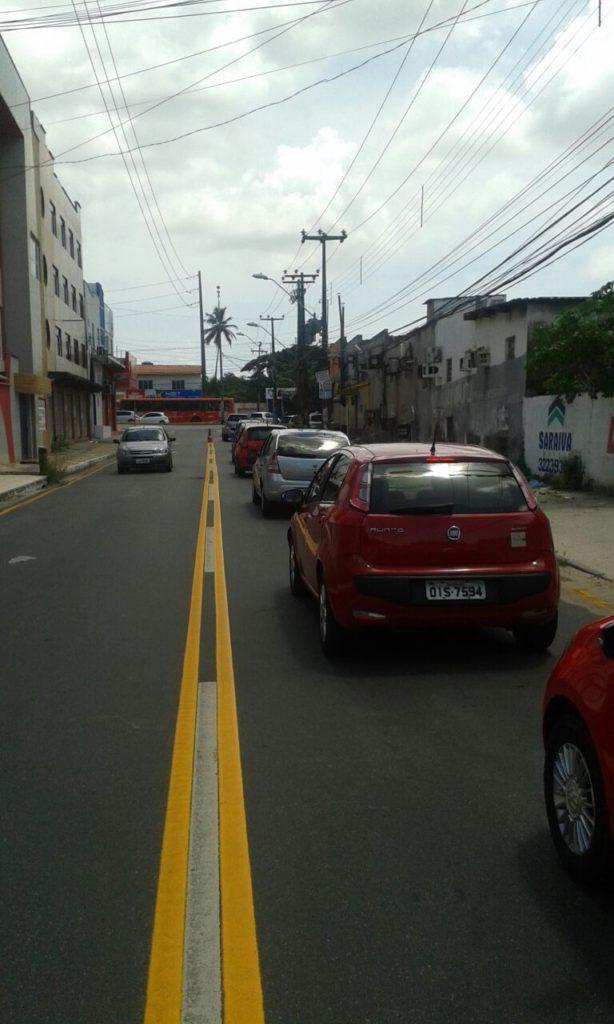 Rua do Aririzal voltou com fluxo de mão dupla