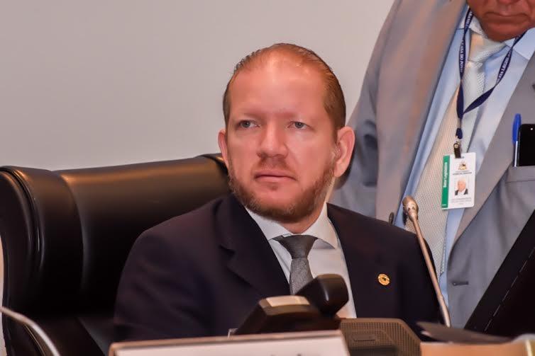O deputado disse na tribuna que o jornal, fundado pelo jornalista Ribamar Bogéa, conseguiu resistir a todas as intempéries e investidas