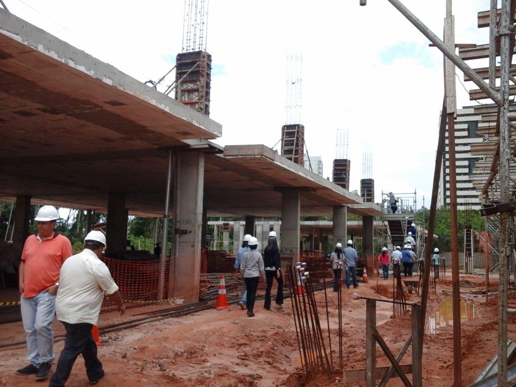 Canteiro de obras do novo Hospital do Servidor