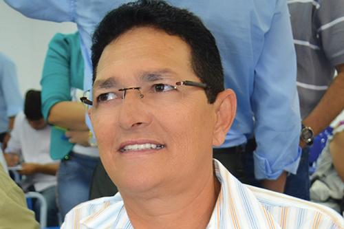 Amaury estaria atrás de documentos contra o ex-prefeito Brasil