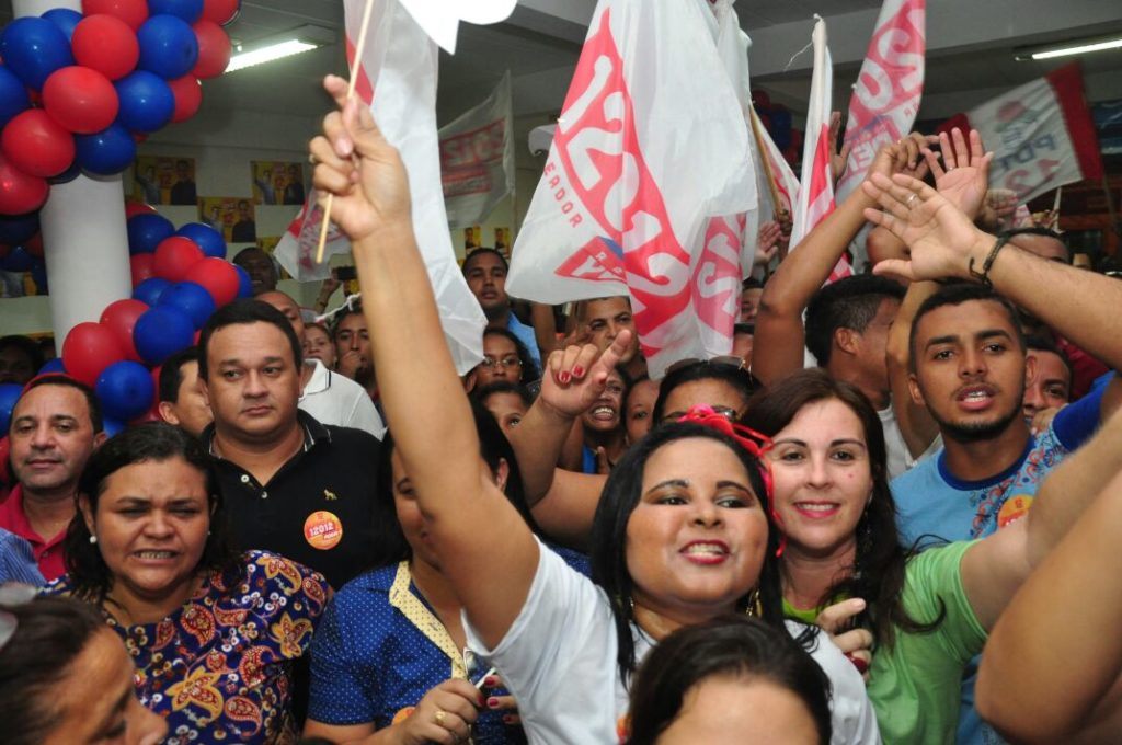 Raimundo Penha, uma das promessas do PDT para a Câmara, mostrou força política, durante evento de inauguração de comitê