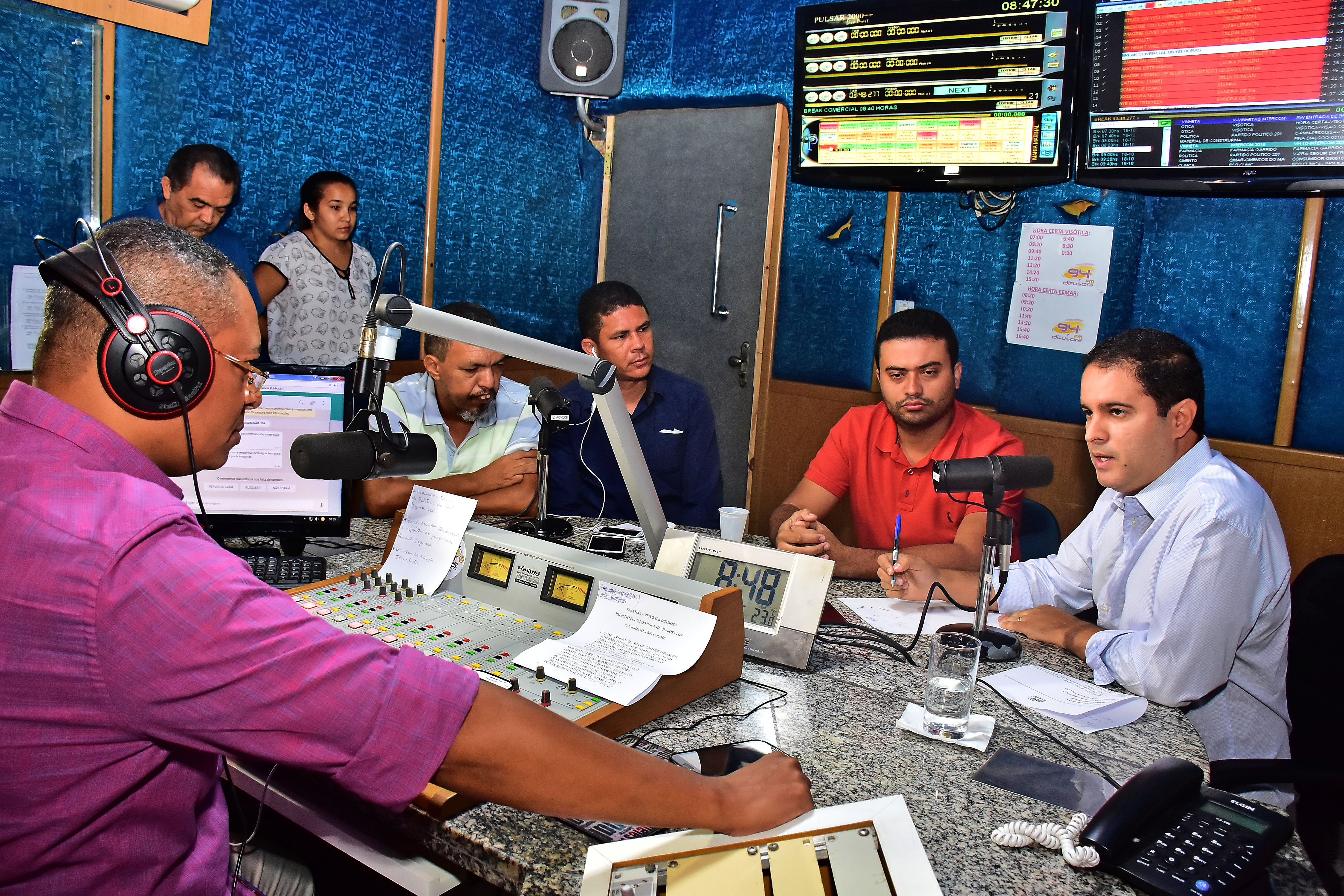 Durante cerca de 20 minutos, Edivaldo respondeu questionamentos feitos pelos jornalistas Ricardo Baty, Bial Mendes, Leandro Miranda e Francisco Júnior