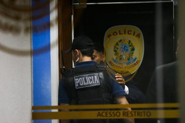 Polícia Federal fez operação na sexta-feira e prendeu policiais suspeitos de obstruir as investigações da Lava-Jato Foto: José Cruz / Agencia Brasil