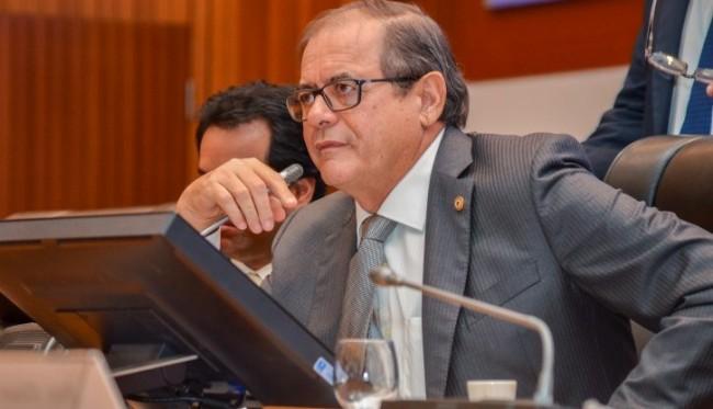 Humberto Coutinho assume o governo por três dias