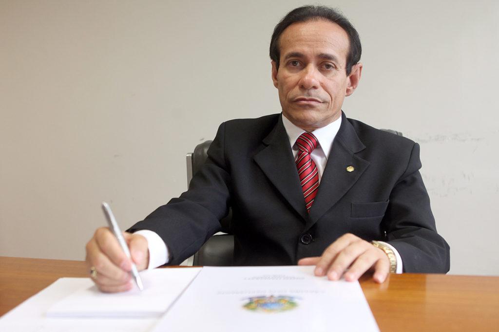 O senador elogiou ainda a aprovação pelo Senado, em primeiro turno, da Proposta de Emenda à Constituição (PEC) 36/2016